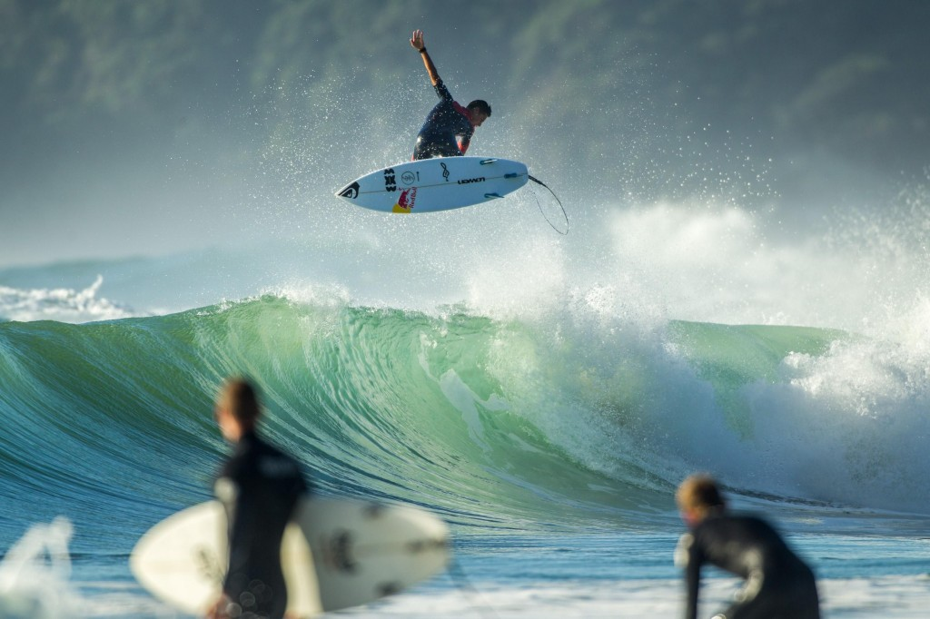 New Zealand Shooting Video Wallpaper: New Zealand Surfing Magazine